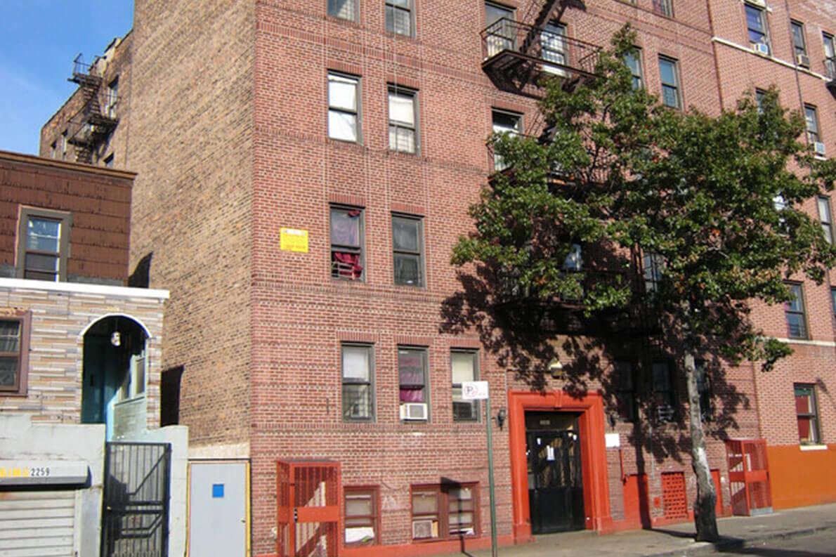 2263 Morris Avenue